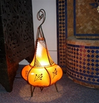 handmade moroccan henna lamp amber colour with henna design.