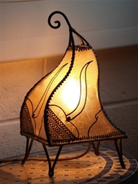 handmade moroccan henna lamp with henna design.